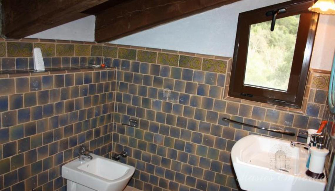 Baño de la primera planta de la casa de invitados