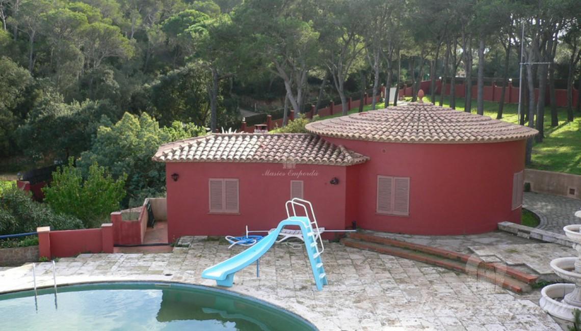 Vista de la casa de invitados de la propiedad