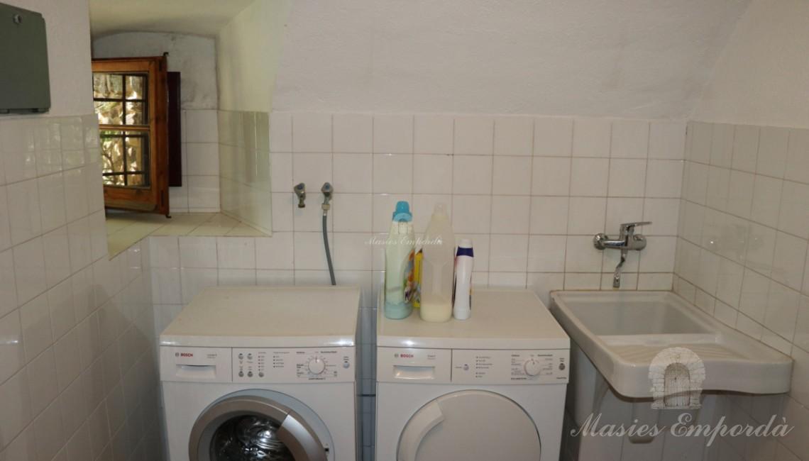 Lavandería y plancha