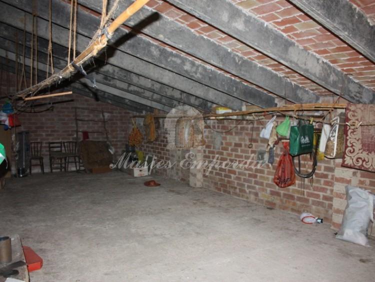 Buhardilla de la casa donde se observa la rehabilitación de la cubierta