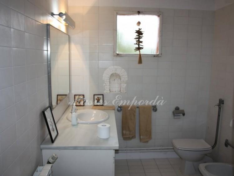 Uno de los baños de la plnata