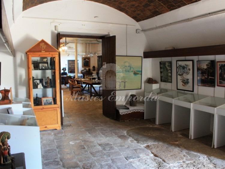 Sala de tostar junto al museo