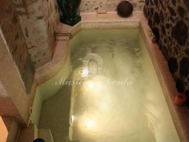 Vista de jacuzzi del baño principal