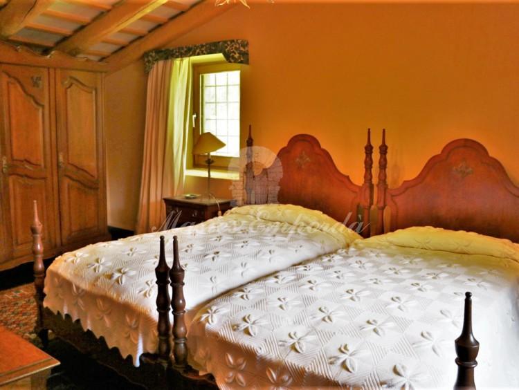 Una de las suite con camas dobles