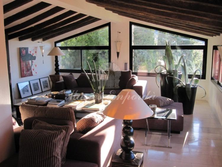 Detalle de salón de la parte privada de casa